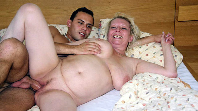 Lusty Grannie Labia Boinked