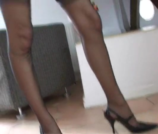 Dark-hued Ffn Pantyhose High-heeled Slippers Getting Off Frigging Solo