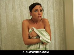 Sislovesme – Instructing My Nerdy Step Step-sister To Enjoy My Knob
