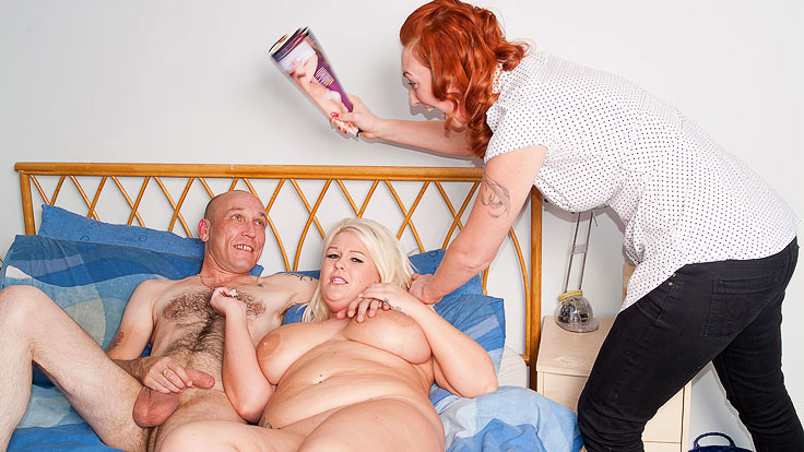 Big Platinum-blonde Does Masturbating Fellow