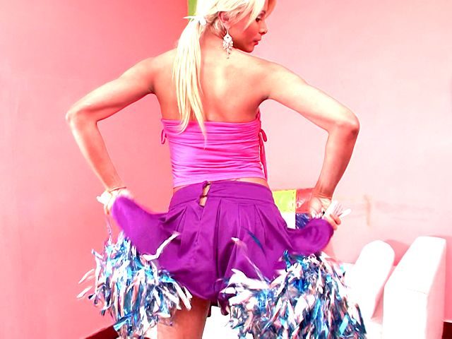 Jiggly Blondie Ladyboy Cheerleader Itiel Dancing And Showcasing Body Upskirt