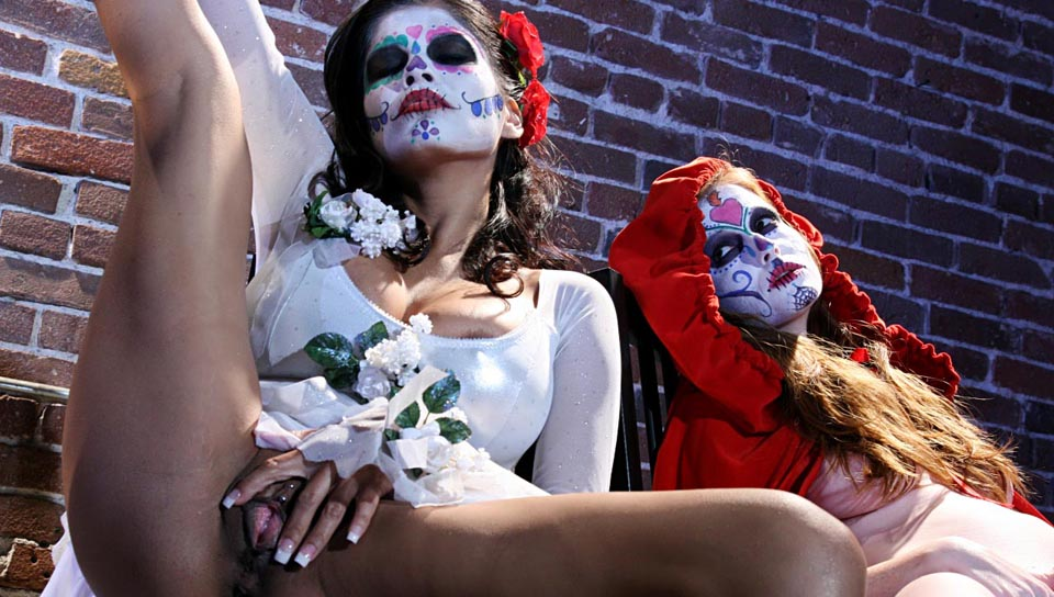 Alexis Amore And Nikki Rhodes