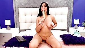 Spectacular Bootylicious Honey Likes Her Faux-cock